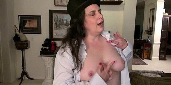 american milf lexy james gets frisky in nylons