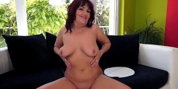 alluring gilf sucks and fucks in closeup