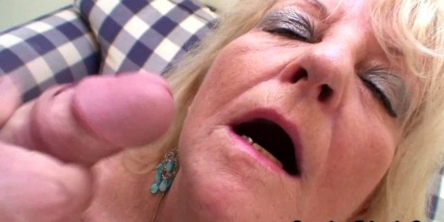 threesome party with boozed blonde granny