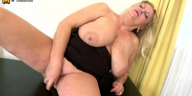 hot granny with big saggy tits and her old cunt