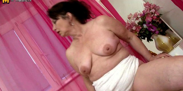 amateur granny and her old hungry vagina