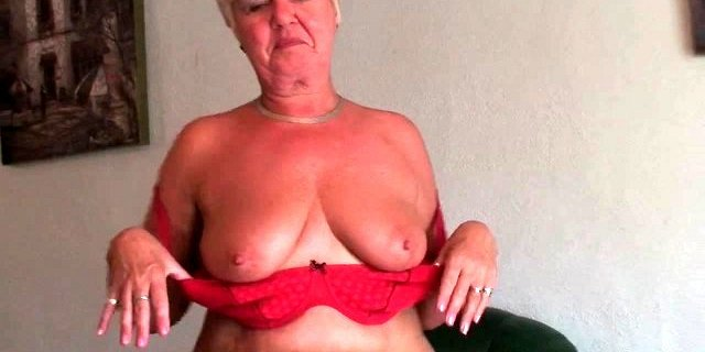 bubble butt granny sandie spreads old pussy compilation