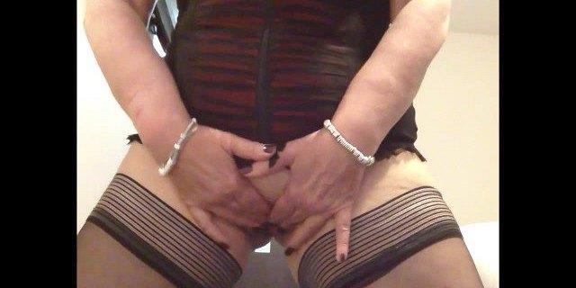 sexy granny unleashing huge tits masturbating and cummin