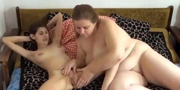 lesbiancums com pervert lesbian granny caught