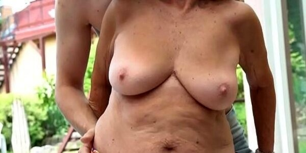 dickriding euro granny fucked after foreplay